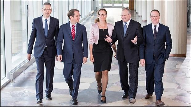 Ze staan bekend als de 5 Wijzen van Duitsland, met links Bofinger