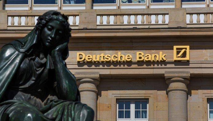 Deutsche bank stevent af op bail-out